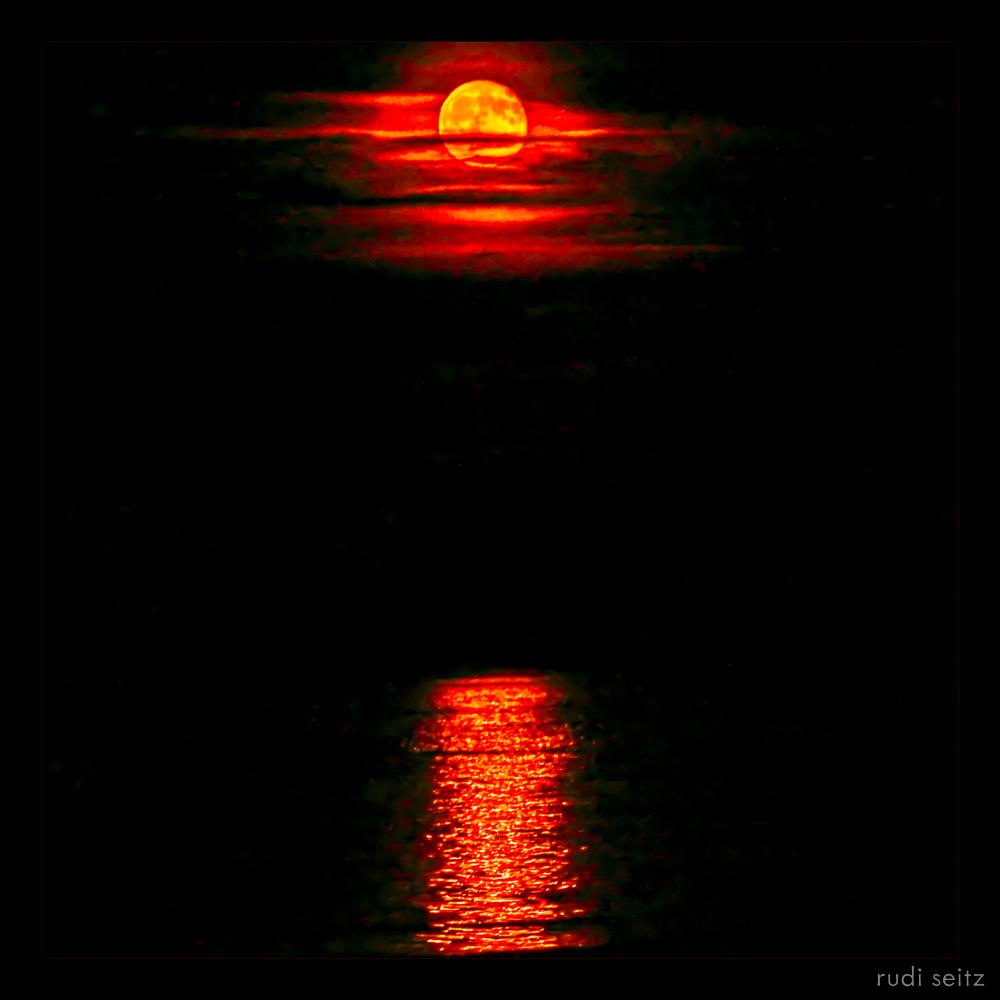 revere-red-moon1
