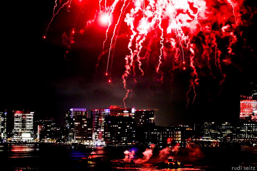 RudiSeitz-BostonHarborFireworksMay2019-1.jpg