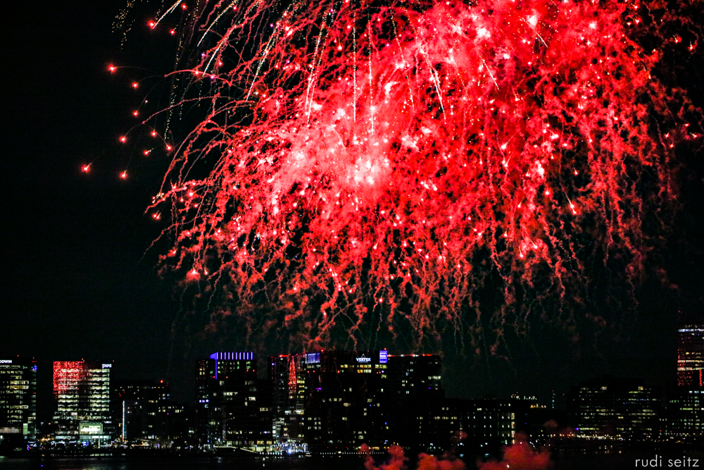 RudiSeitz-BostonHarborFireworksMay2019-3.jpg