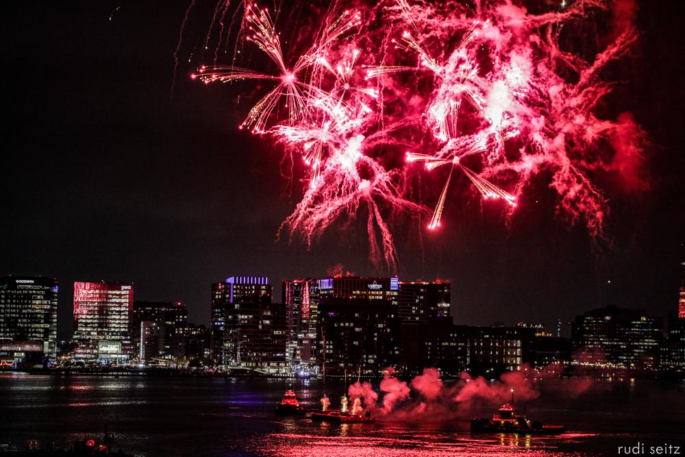 RudiSeitz-BostonHarborFireworksMay2019-4.jpg